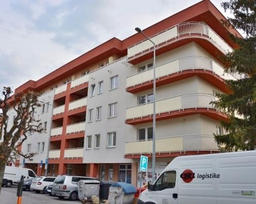 67 bytov a nebytových priestorov